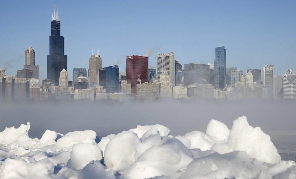 Местные метеорологи говорили о погоде как об «холодной и опасной для жизни», подразумевая 0 градусов по Фаренгейту (минус 18 по Цельсию) в Чикаго