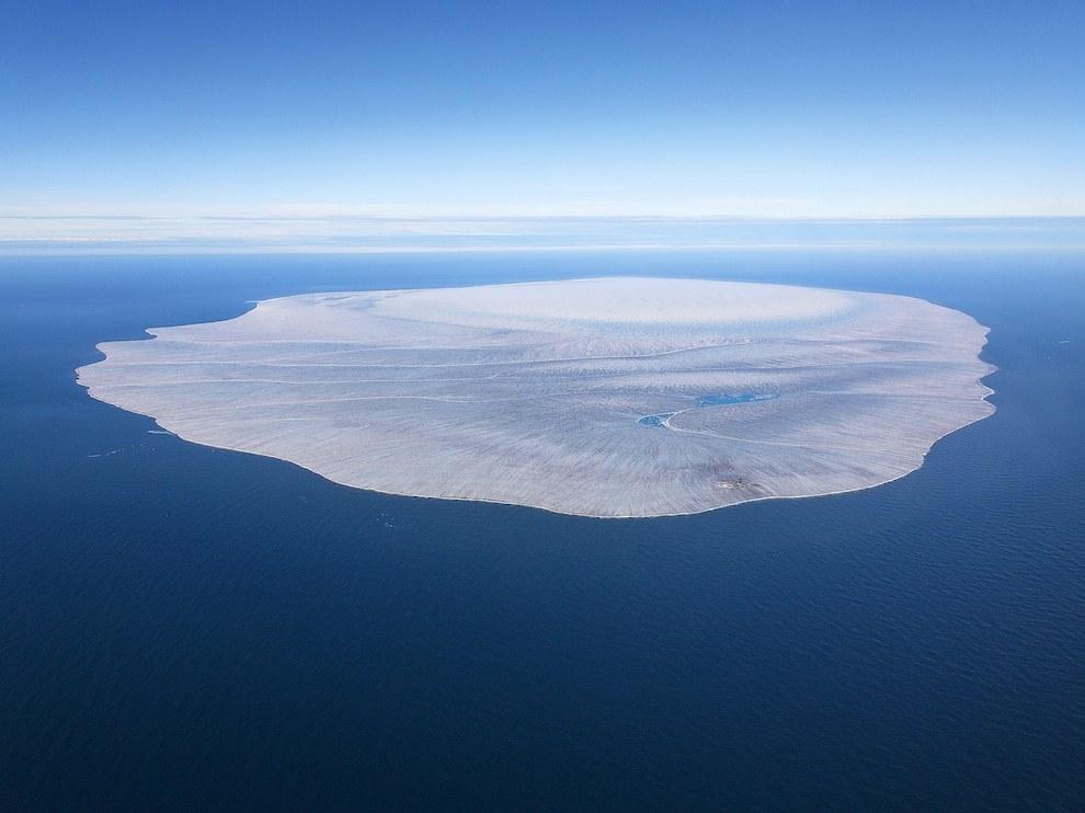 Остров Ушакова, Россия