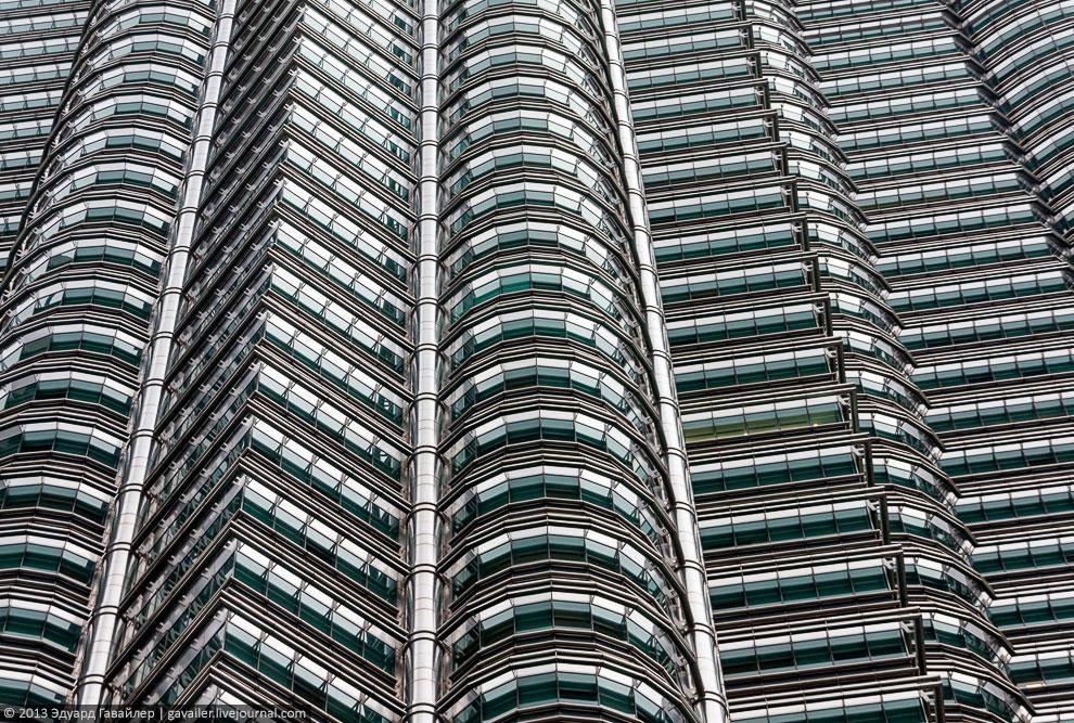 Самые высокие в мире башни-близнецы