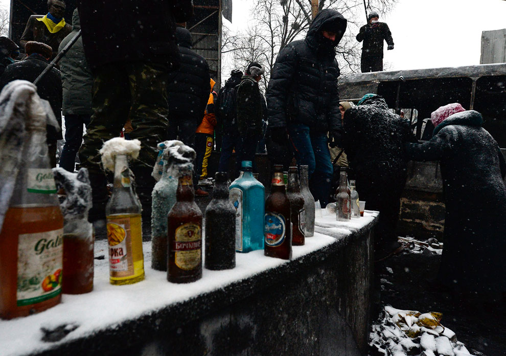 Производство коктейлей Молотова для борьбы с милицией поставлено в Киеве на поток