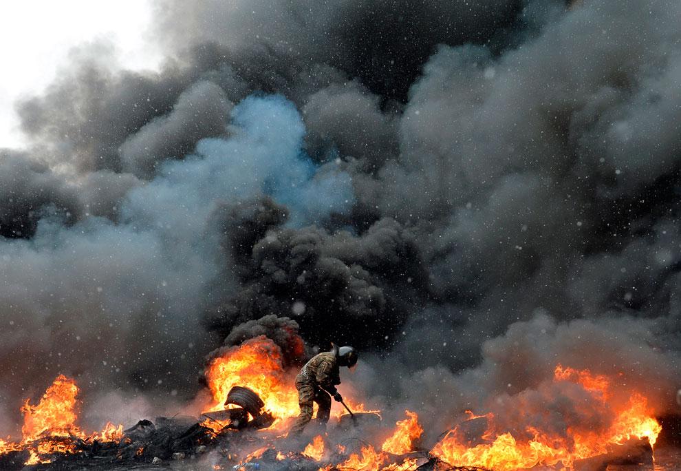 Пожар в центре Киева из автопокрышек