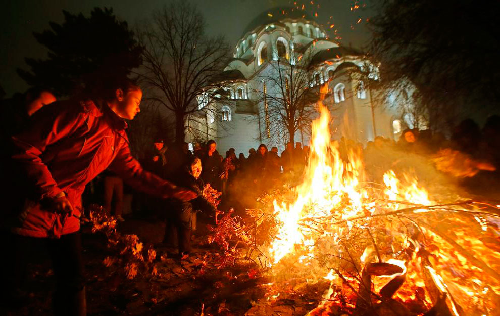 Сожжение дубовых ветвей в рождественскую ночь в Белграде