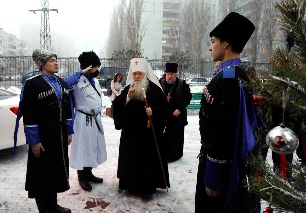 Герман, митрополит Волгоградский и Камышинский  приехал в Казанский собор в Волгограде, Россия
