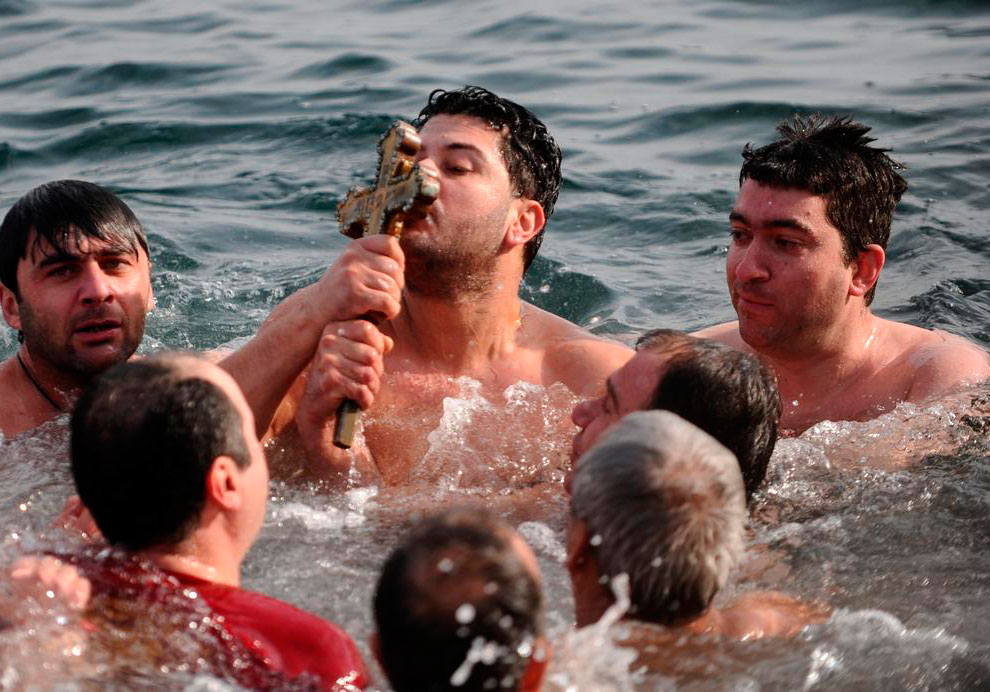 Рождественские купания в Стамбуле