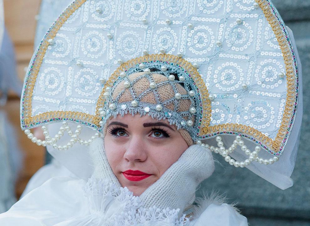 Участницы эстафеты Олимпийского огня в Новосибирске