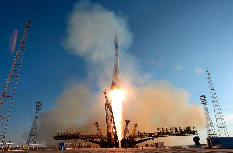 Олимпийский огонь побывал в космосе. Старт космического корабля Союз ТМА-11М с Олимпийским факелом