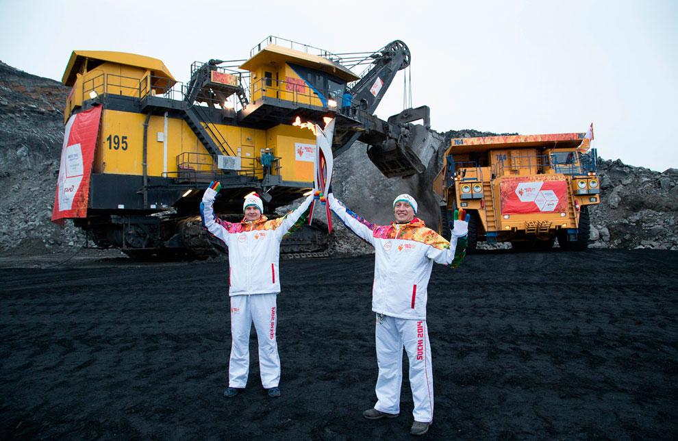29 ноября 2013 эстафета Олимпийского огня побывала в Кедровском угольном разрезе, Кемерово