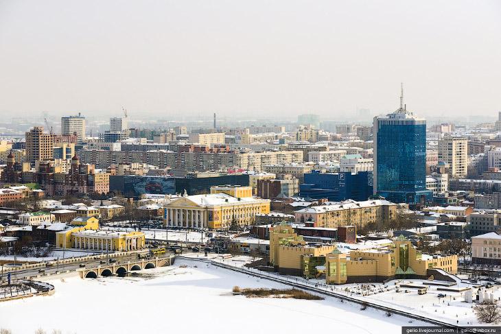 Набережная в районе Троицкого моста. Площадь Ярославского
