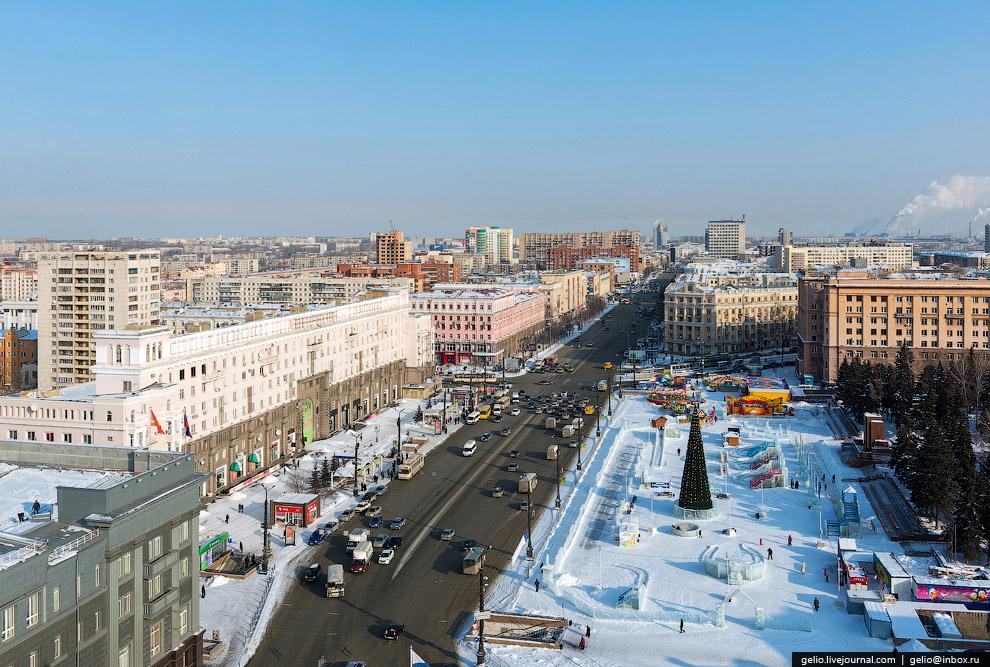 Площадь Революции - главная площадь Челябинска