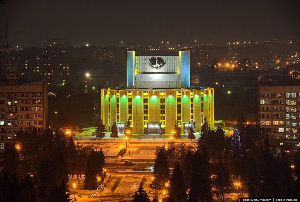 Челябинский академический государственный театр драмы имени Наума Орлова.