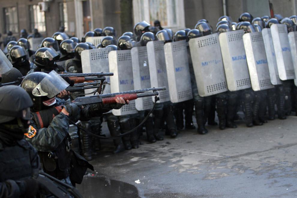 «Беркут» пошел на штурм Майдана Незалежности, чтобы зачистить центр Киева от оппозиции
