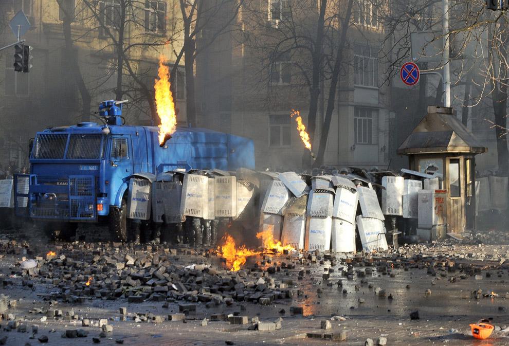 Столкновения в центре Киева