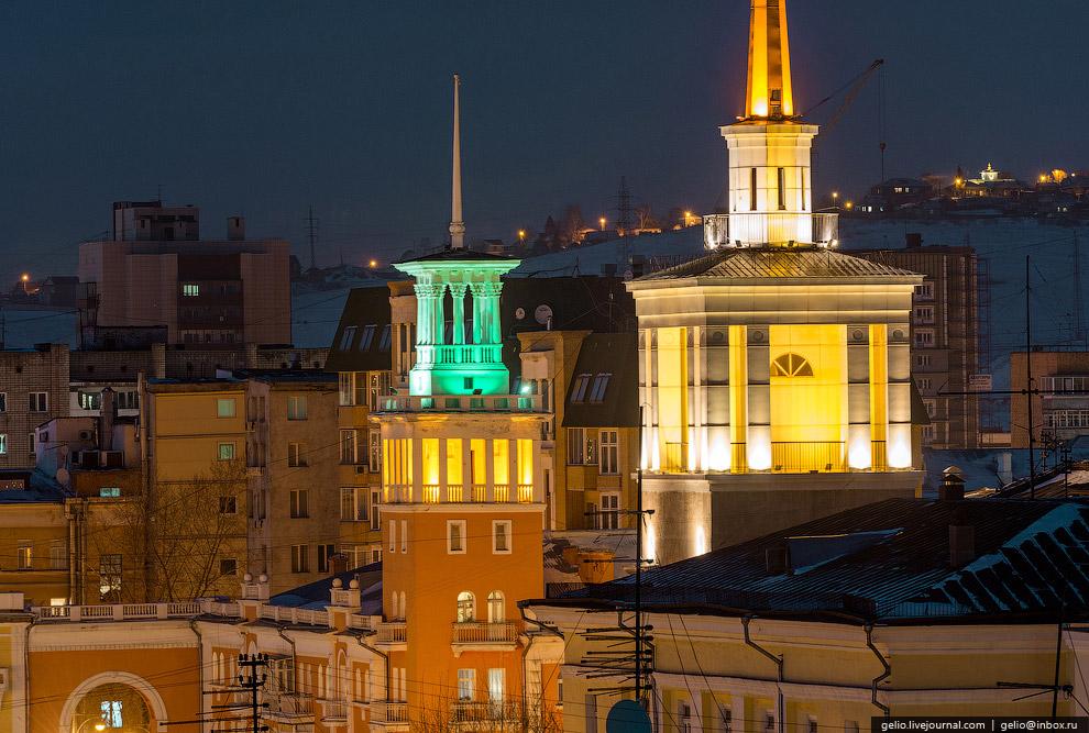 Башни на проспекте Карла Маркса. Входят в ансамбль Красной площади