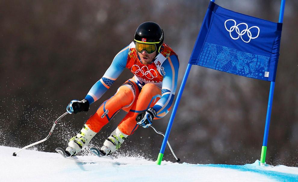 Норвежец Хьетиль Янсруд становится олимпийским чемпионом на трассе слалома-супергиганта