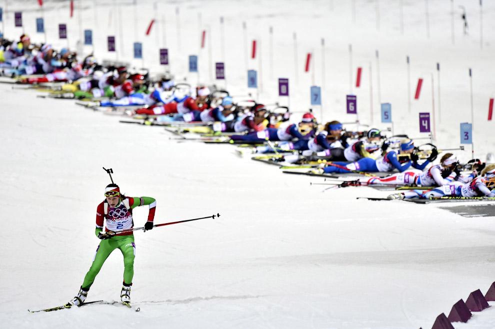 Белорусская спортсменка Дарья Домрачева, завоевавшая третью золотую медаль на Олимпиаде в Сочи