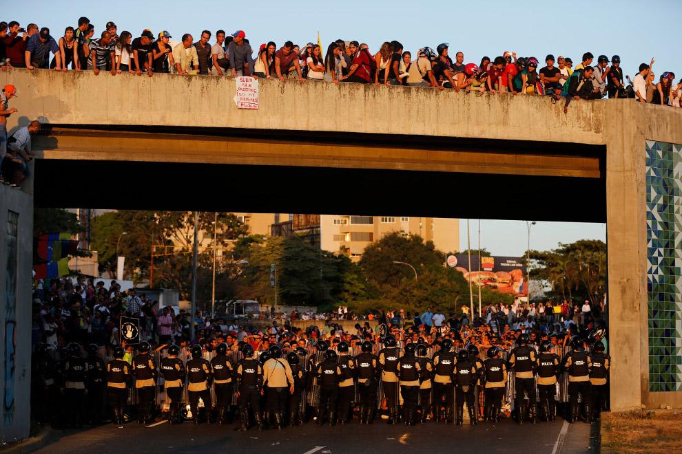 Большая часть протестов была мирной