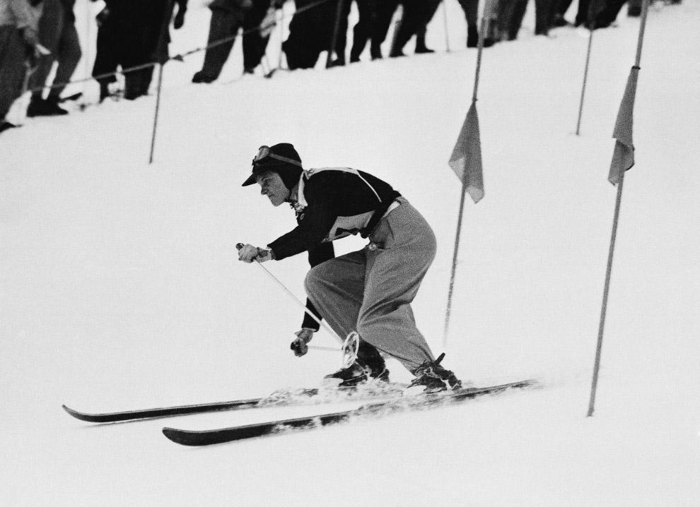 Соревнования по горным лыжам (слалом)