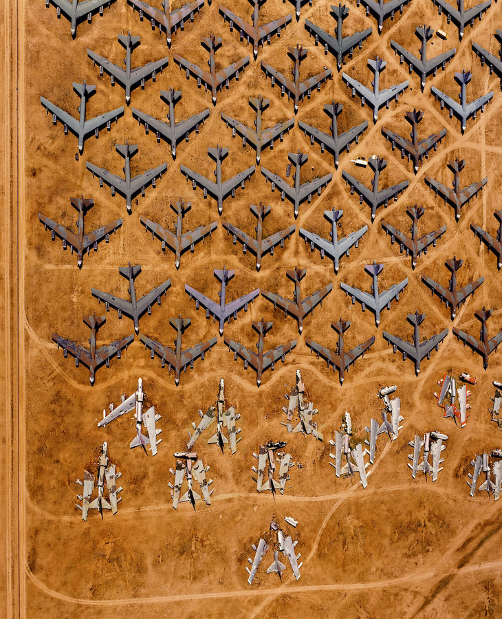 Бомбардировщики В-52 на кладбище самолетов в Тусоне, штат Аризона, США
