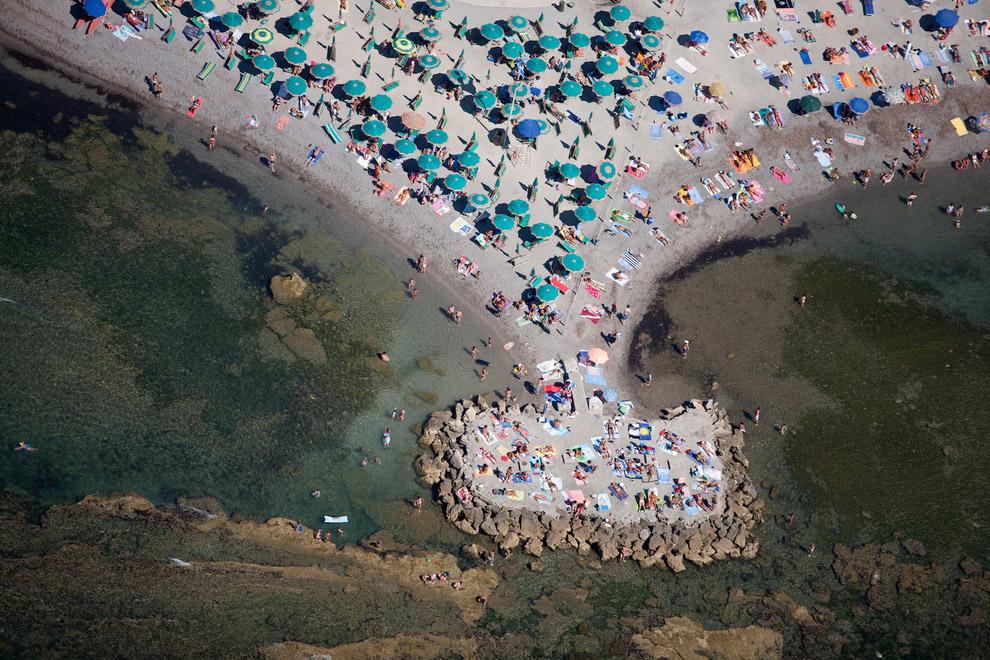 Пляж в Ливо́рно (итал. Livorno), Италия