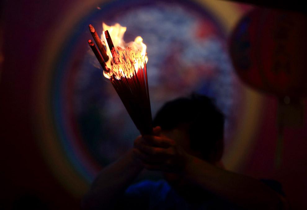 Разжигание благовоний, Джакарта