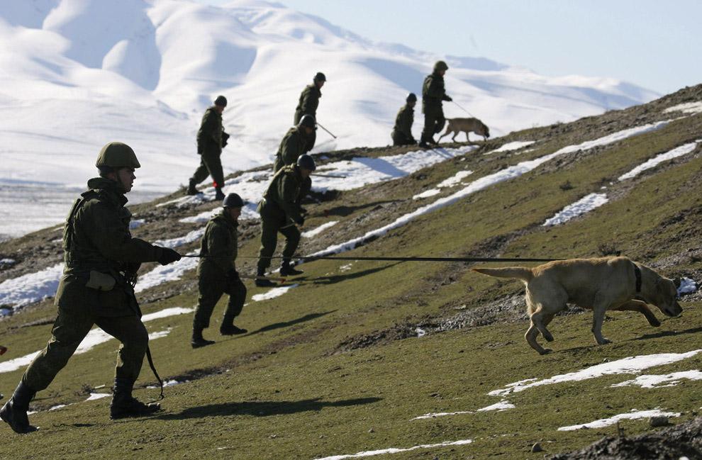 Наши военные на учениях в Северной Осетии
