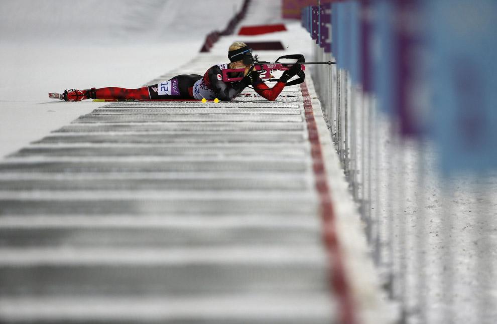 Канадская биатлонистка Зина Кохер  в спринте на 7,5 км