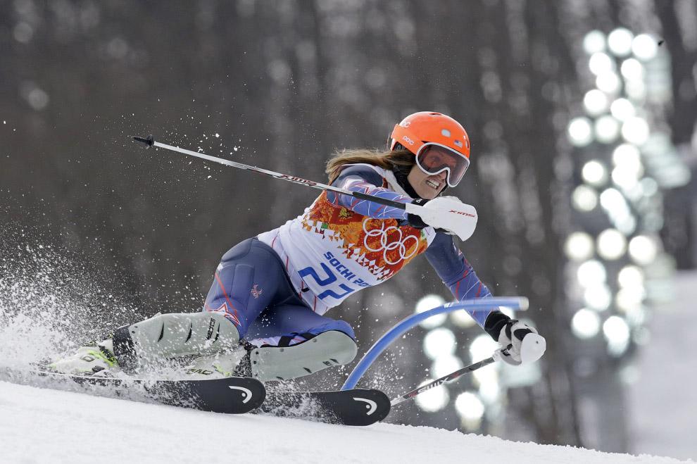 Американская горнолыжница Джулия Манкузо в первой части суперкомбинации — скоростном спуске