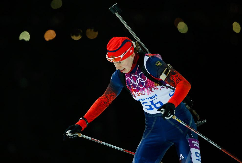 Биатлонистка Ольга Вилухина стала серебряным призером в спринте на Олимпийских играх в Сочи, заработав вторую медаль для России
