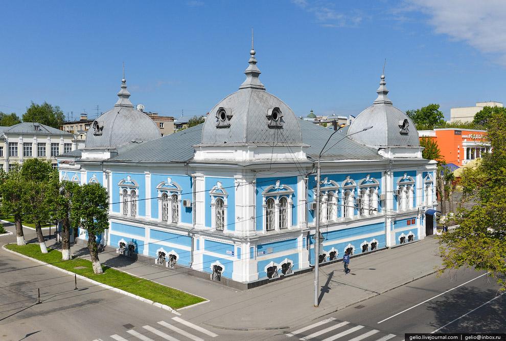 Бывшее здание Духовного училища