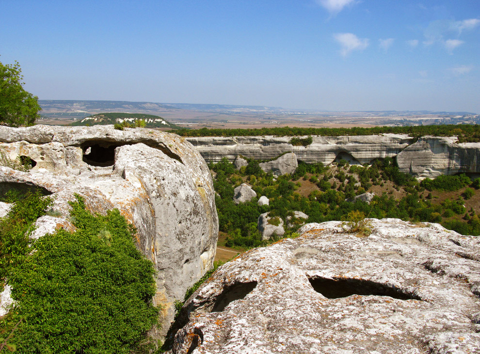 Средневековый город-крепость Эски́-Керме́н