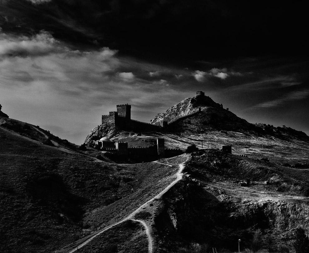Генуэ́зская крепость
