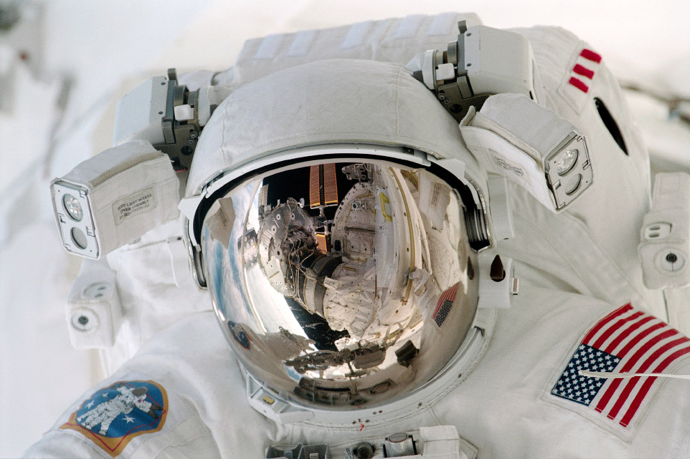 Астронавт Пол Ричардс во время своего единственного выхода в открытый космос