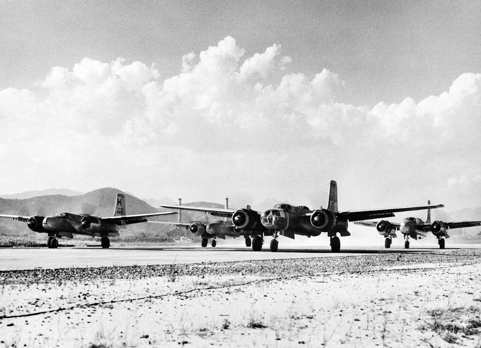 Американские бомбардировщики B-26 «Мародеры» в Японии