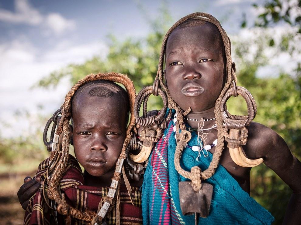 Юноши мурси, Эфиопия