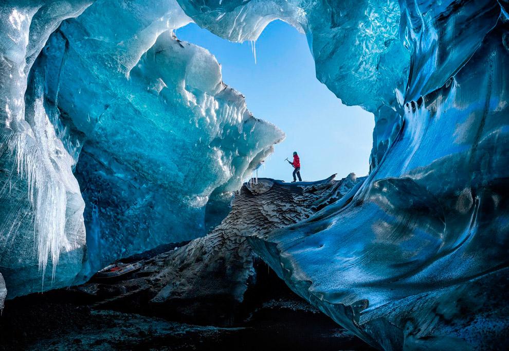 Ледяная пещера на юго-востоке Исландии