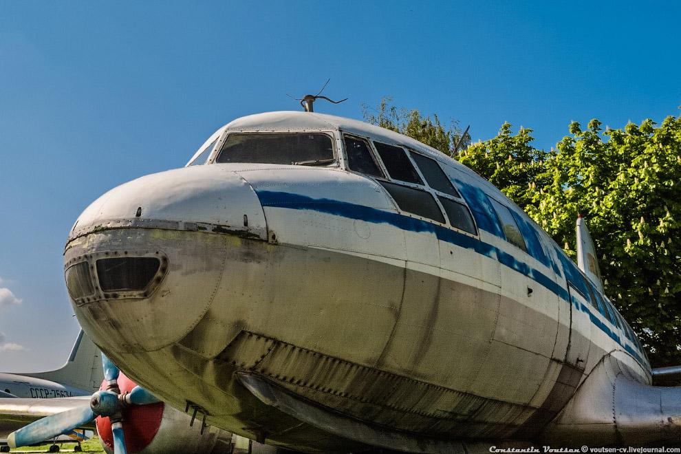 Пассажирский самолет Ил-14