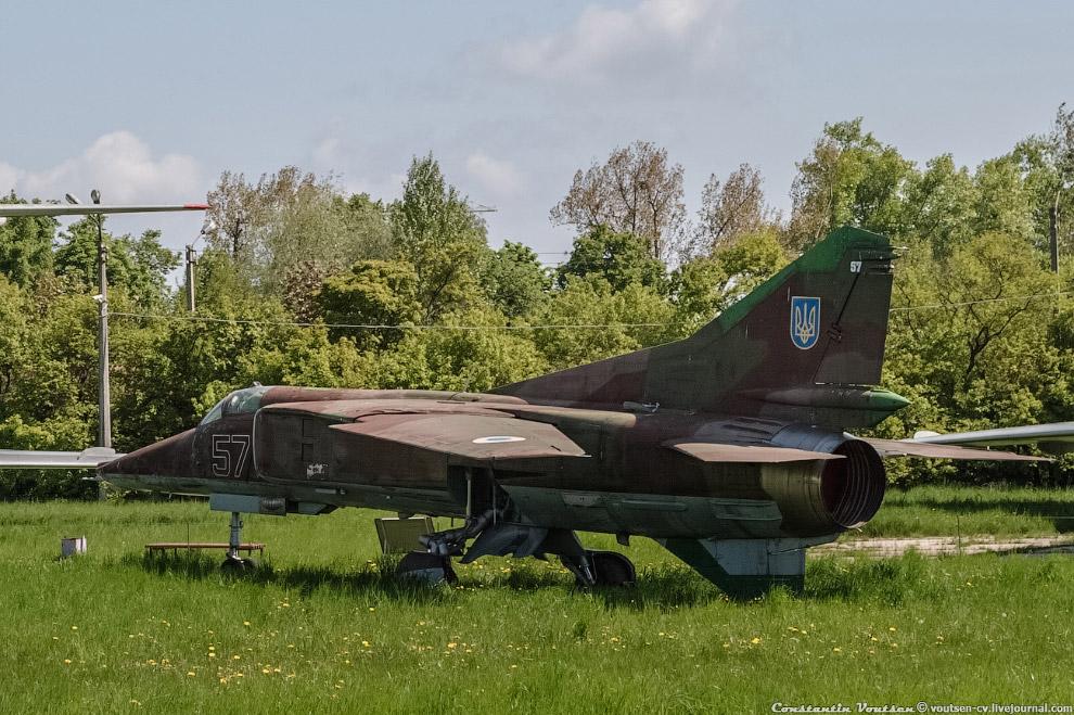 Истребитель-бомбардировщик МиГ-23БМ