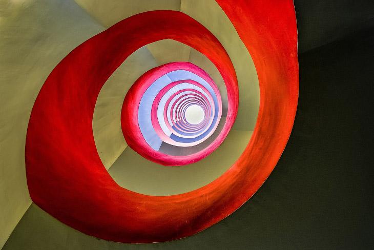 Лестница в  офисном здании в Кельне