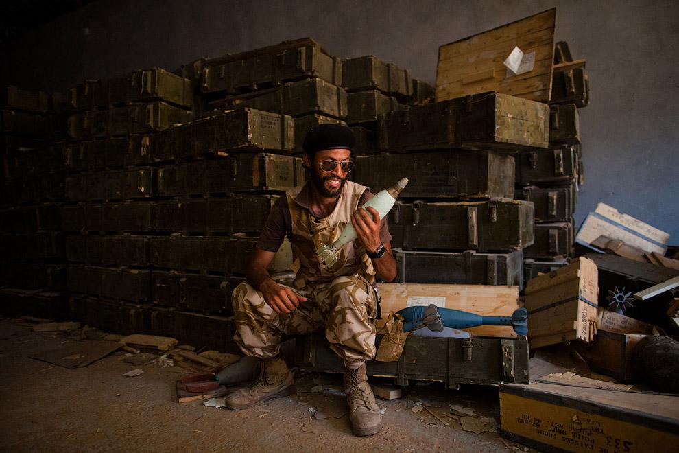 Ливийский боевик в Триполи