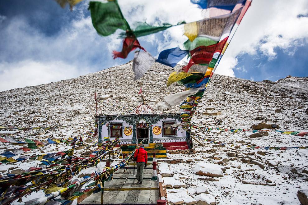 Буддийская святыня на высоте 5 360 метров в Ладакхе, Индия