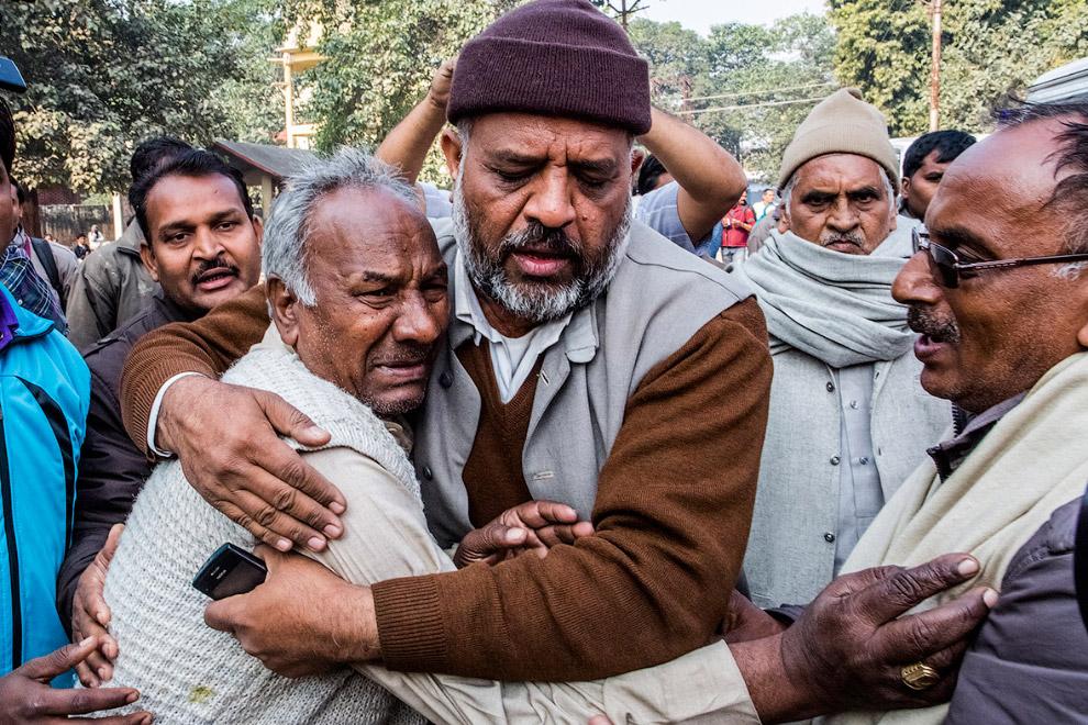 Человек, чья жена была убита в давке во время Кумбха Мела