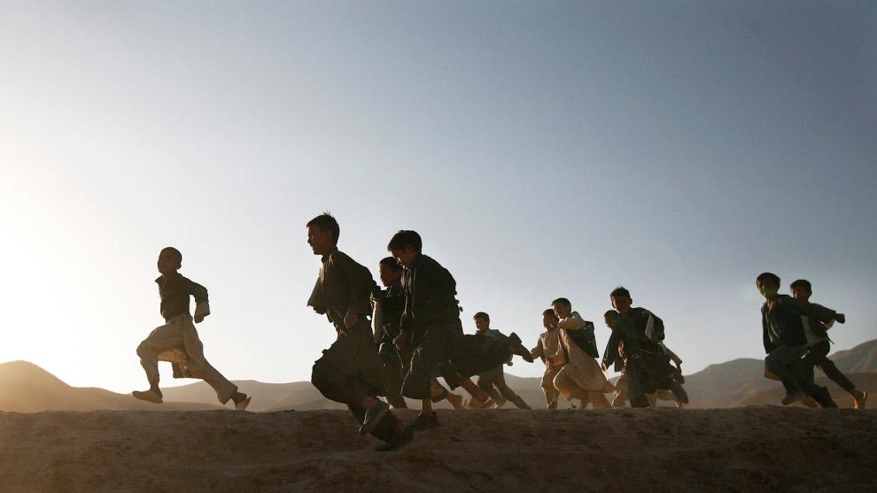 Афганские школьники