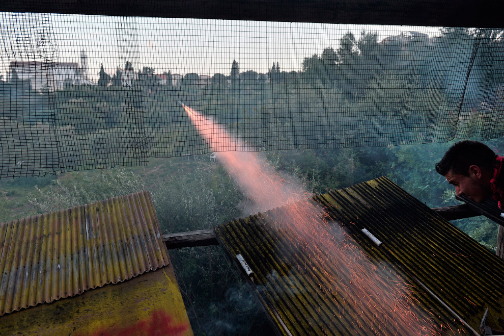 От ракет «противника» защищаются специальными сетками