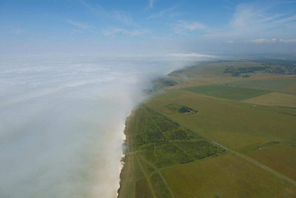 Туман накрывает мыс Бичи Хед, Восточный Сассекс