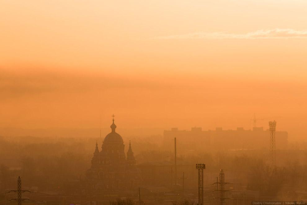 Градо-Иркутская церковь в утренней дымке