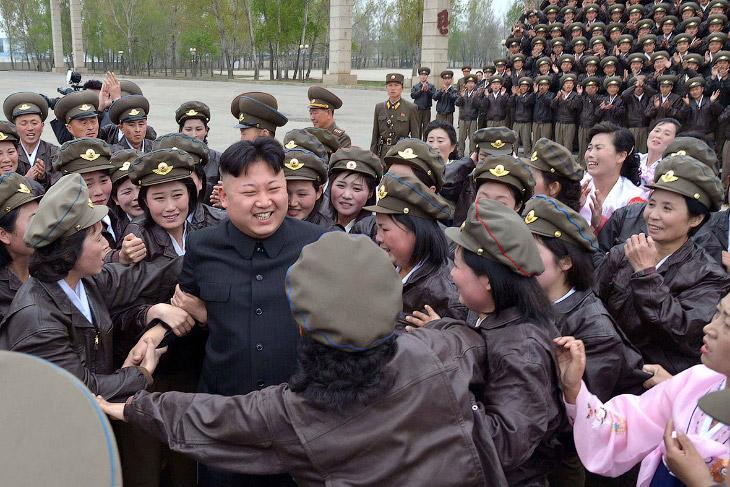 Визит в воздушно-десантную дивизию Корейской народной армии