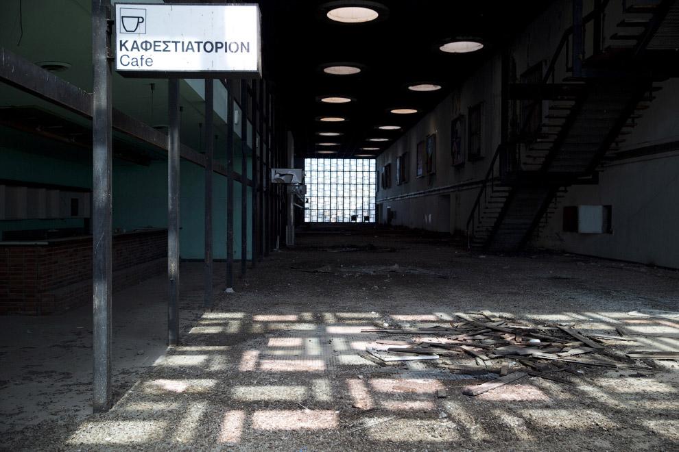 Внутри заброшенного аэропорта Никосии