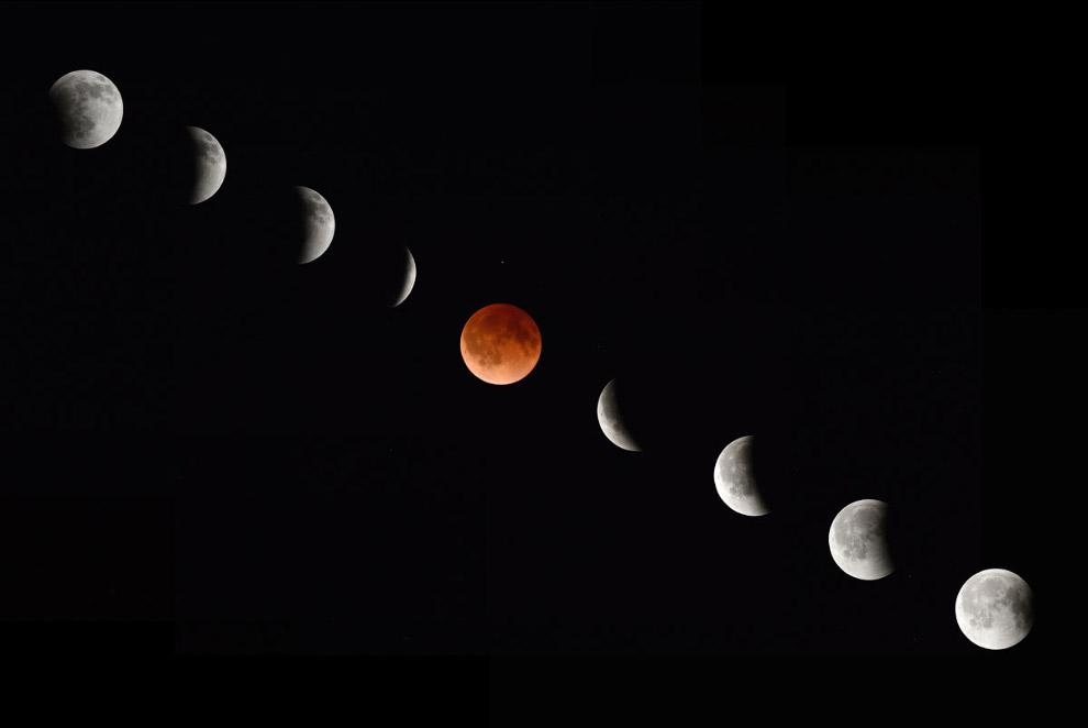 Луна в начале, середине и в конце полного лунного затмения, как это было видно из Магдалена, Нью-Мексико