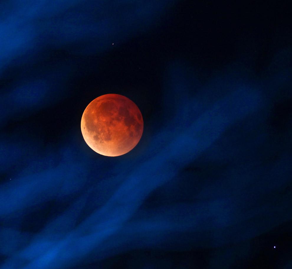 Красная Луна в штате Висконсин, США