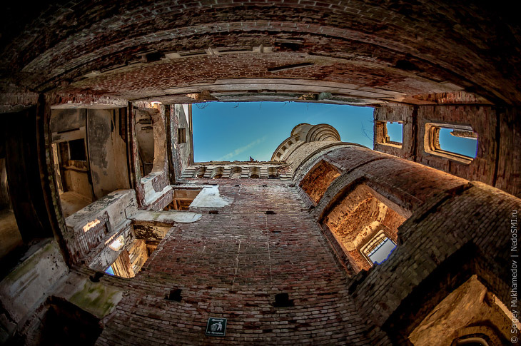 Готический замок во Владимирской области